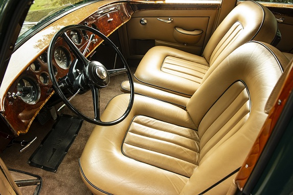 Image 2 - Bentley S2 Continental Flying Spur Interior