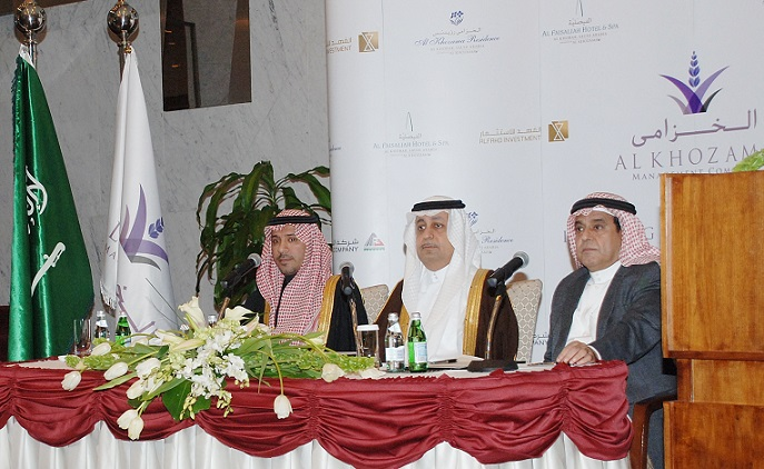 HH Prince Bandar bin Saud bin Khalid (center), Ahmed bin Fahd Al Fahd (left) and Abdulaziz Al Habib (right) at the press conference