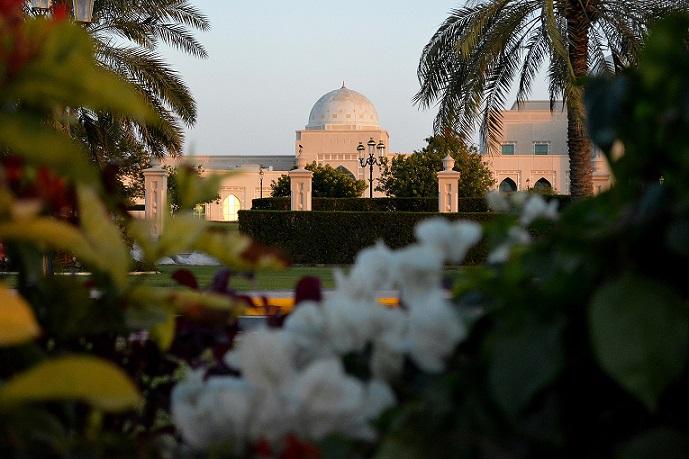 'Get Up Green Up' Winning Photo by Nadia Saleh from the American University of Sharjah - الصورة الفائزة لناديا صالح من الجامعة الامريكية بالشارقة