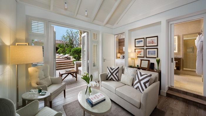 POOL Chalet Living Room