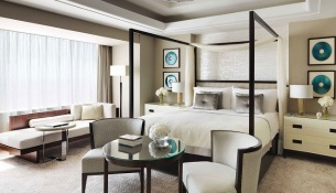 fsr-royal-suite-bedroom-a_0001