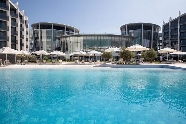 High_resolution_300dpi-Jumeirah at Saadiyat Island Resort - Pool View
