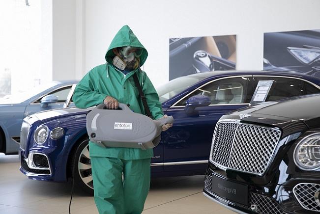 Bentley Careful precautions (1)