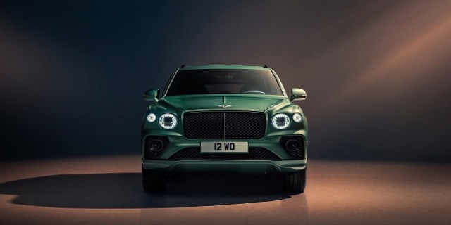 New Bentayga - Alpine Green - 6 (1)