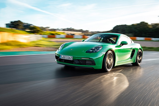 718 Cayman GTS 4.0 with automatic transmission