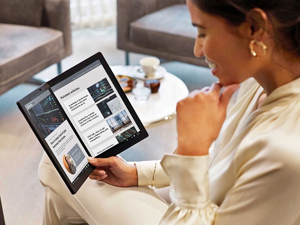 ThinkPad X1 Fold (lifestyle)